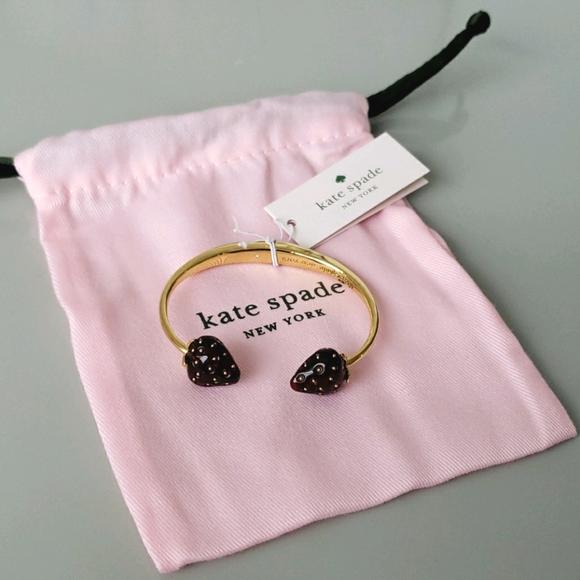 🍓Kate spade strawberry hinge cuff bracelet